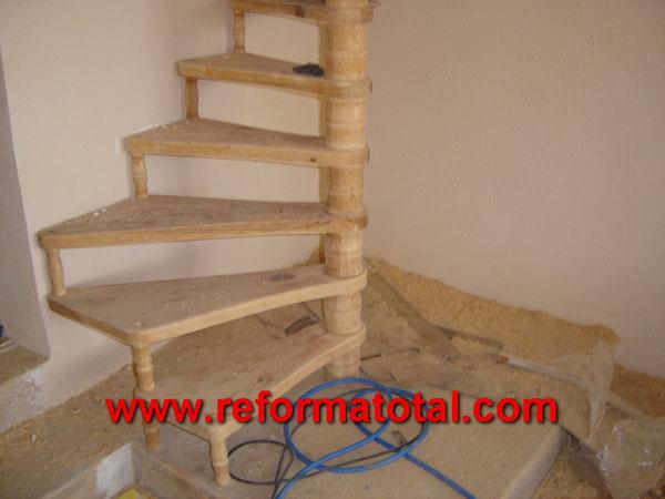 004 188 fotos de montar escaleras interiores im genes - Escaleras rusticas de interior ...
