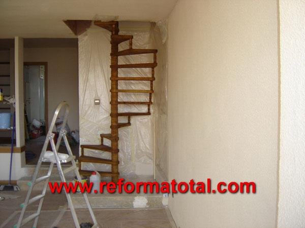 004 193 fotos de escaleras madera interiores im genes - Disenos de escaleras interiores fotos ...