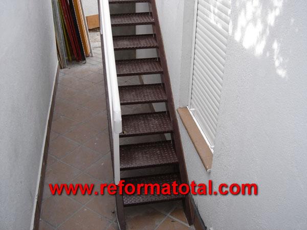 05 20 fotos barandillas exteriores reformas integrales for Escaleras metalicas exteriores precios