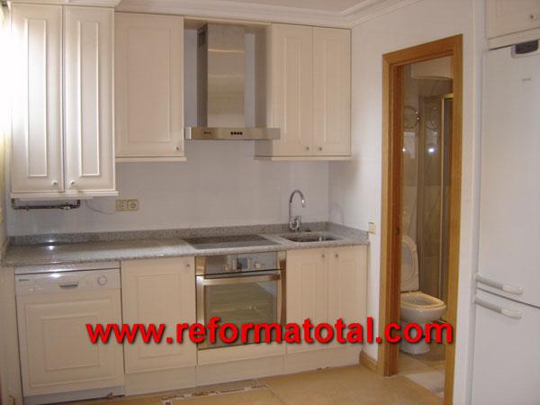 05 33 imagenes decoraciones ba os reformas ba os en madrid for Reparacion muebles de cocina