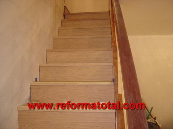 005 192 fotos de escalera madera casa im genes de - Escaleras de interior de obra ...