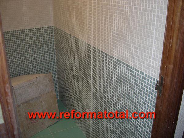 10 07 fotos ba o alicatado auzlejos reformas ba os en madrid for Azulejos gresite