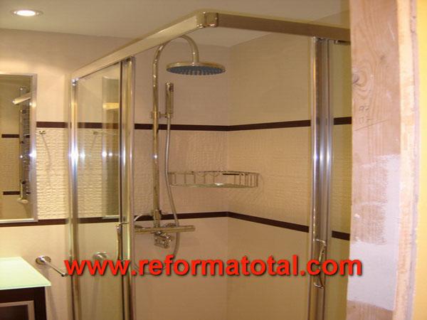 011 069 fotos de instalar mampara plato ducha im genes for Instalar una mampara de ducha