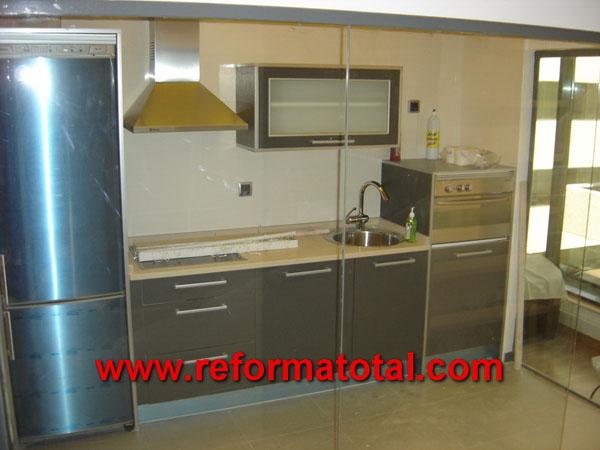 12 08 fotos muebles de cocina carpinteria de madera for Montar muebles de cocina