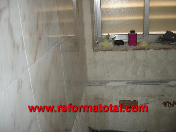 014-106_Fotos de alicatar cuarto de baño :: Imágenes de ...