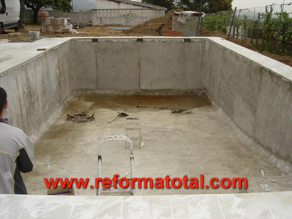 15 11 fotos construcciones piscinas reformas integrales for Accesorios piscinas