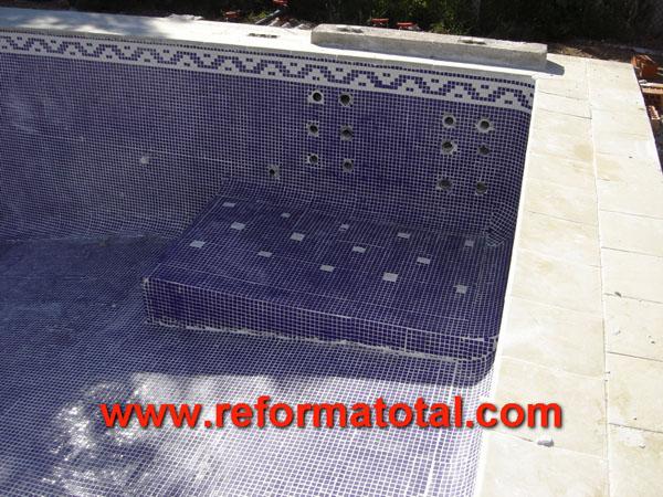 46 04 construcciones de piscinas madrid reformas for Piscina cubierta alcorcon