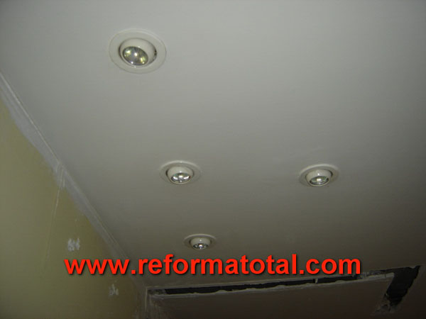 16 10 fotos instalaciones de calefaccion fotos de - Focos empotrados techo ...