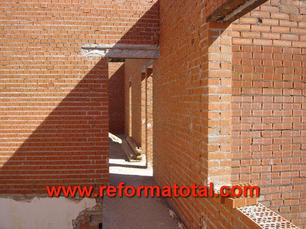 019 015 fotos de construccion muros contencion im genes for Casas de ladrillo visto fotos