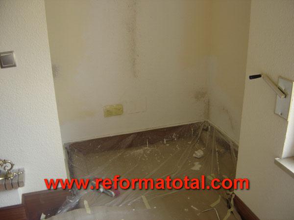 26 03 fotos pintura humedades fotos de reformas y - Pintar paredes con humedad ...