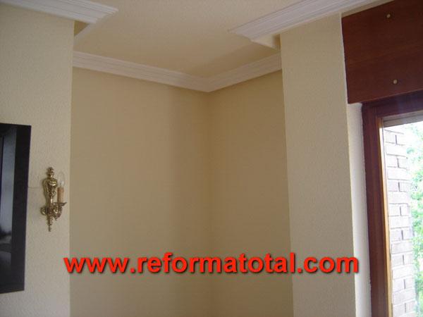 26 04 imagenes pintar humedad reforma total en madrid - Pintar paredes con humedad ...