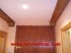 049-decorar-techos-madera-material-autoadhezivo