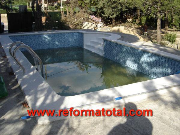 31 01 imagenes piscinas obra reformas integrales en for Empresas construccion piscinas
