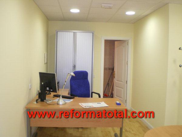 33 02 imagenes reformas oficina reformas integrales en for Oficina correos mostoles