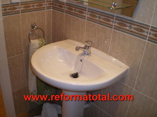 33 04 imagenes ba os alicatados fotos de reformas y for Reforma lavabo precio