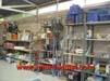 estanteria-construccion-herramientas-obreros