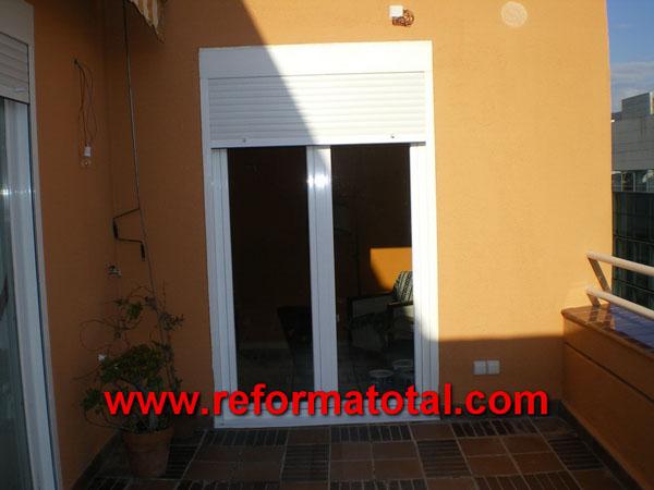 41 01 puertas aluminio reformas integrales en madrid - Puertas de aluminio para exterior fotos ...