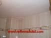profesional-piso-colocar-techo-aluminio