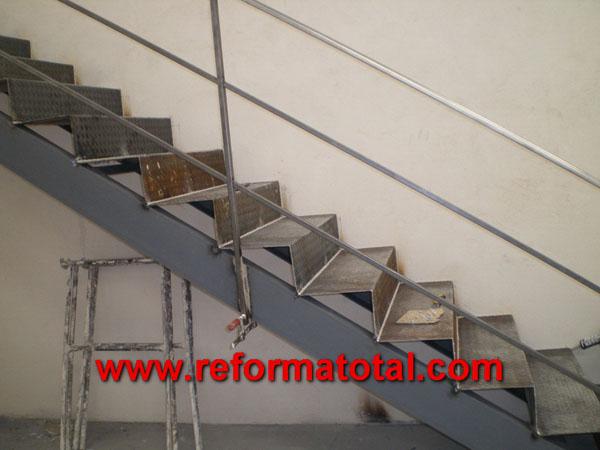 044 076 fotos de escaleras metalicas im genes de for Imagenes de escaleras metalicas