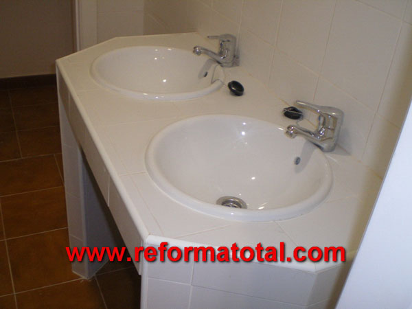 044 013 fotos instalacion lavabo reformas ba os en madrid for Lavabo de obra para bano