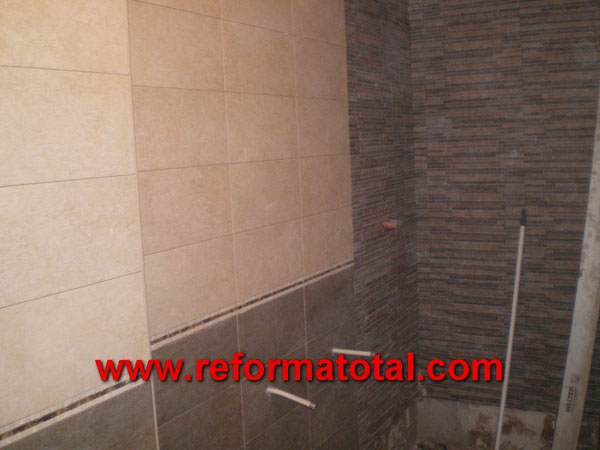 045 10 fotos instalacion plato ducha reformas ba os en for Azulejos alcobendas