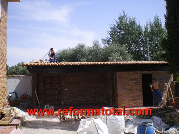046 06 imagenes cenadores porches reformas integrales en - Construccion de tejados de madera ...