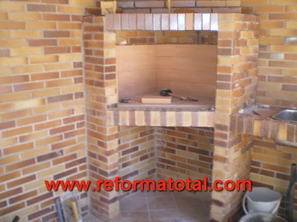 046 08 imagenes construir barbacoa reforma total en - Barbacoas de ladrillo refractario ...