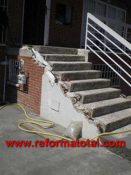 052 04 fotos muros perimetrales fotos de reformas y - Escaleras de ladrillo ...