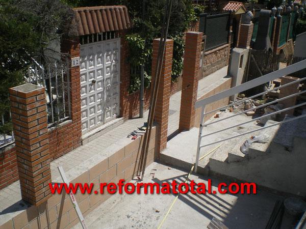 052 05 imagenes muros bloques reformas integrales en - Decoracion muros exteriores ...