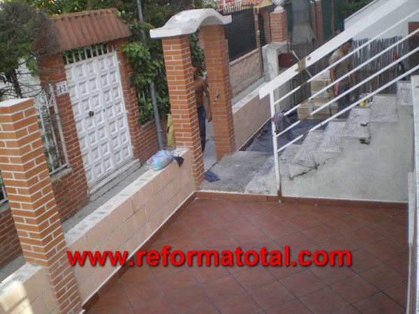 052 08 fotos pavimentos exteriores reformas integrales for Piedras para patios exteriores