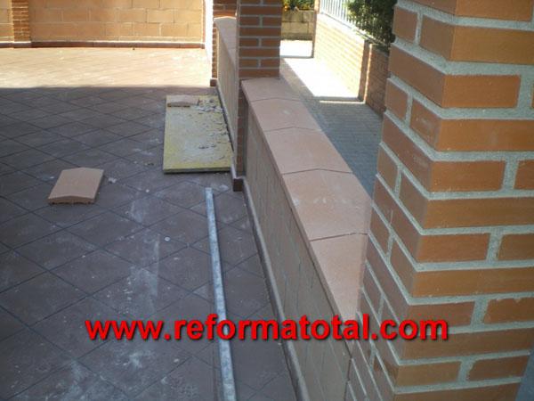 052 09 imagenes decoracion patios fotos de reformas y for Ceramica patios fotos