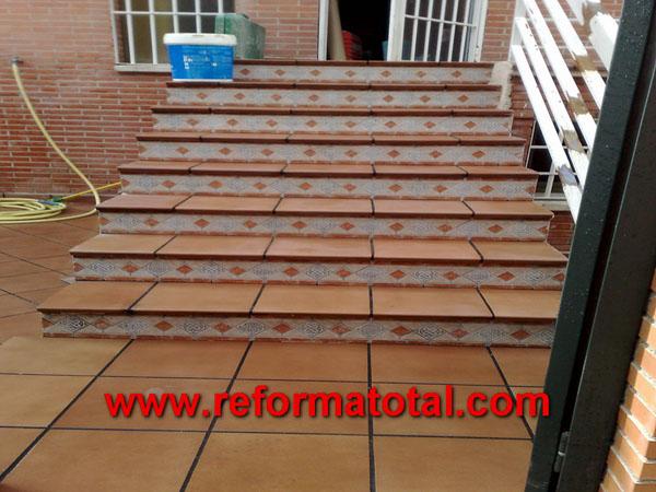052 10 fotos escaleras para exteriores reforma total en for Modelo de escaleras de concreto para exteriores