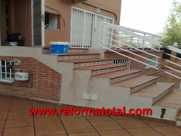 052 10 fotos escaleras para exteriores reformas for Patios exteriores de casas