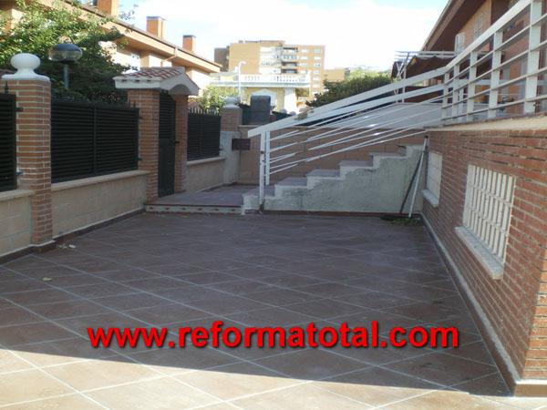 052 10 fotos escaleras para exteriores reformas for Decoracion de patios exteriores