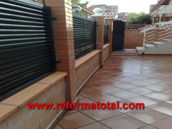 052 11 imagenes cerramientos vallas reformas integrales - Vallas exteriores para casas ...