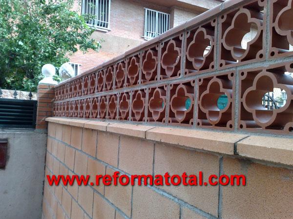 052 11 imagenes cerramientos vallas reformas integrales for Decoracion muros exteriores