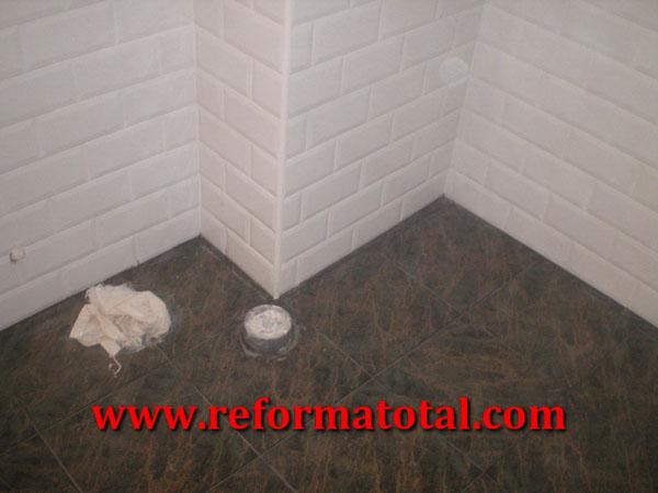 053 04 imagenes instalacion sanitarios fotos de reformas - Revestimientos de suelos ...