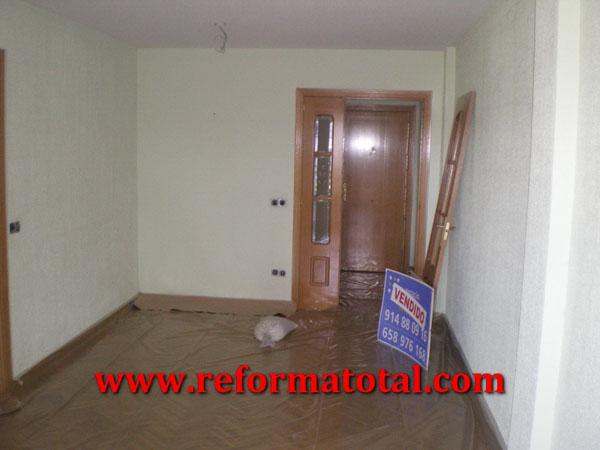 054 01 imagenes pintar piso reforma total en madrid - Pintura para parquet ...