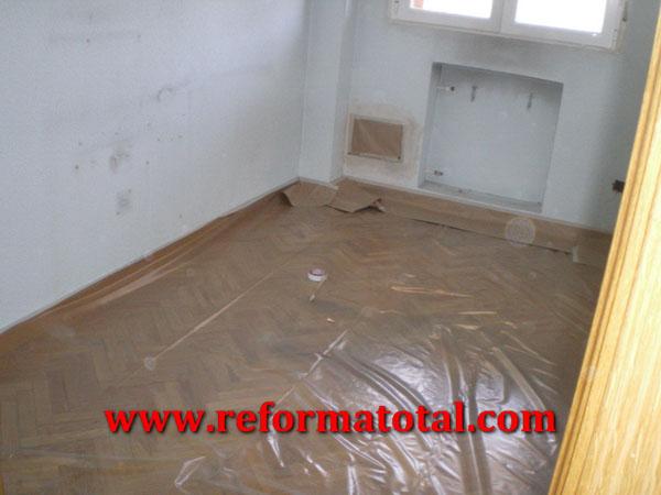 054 01 imagenes pintar piso reformas integrales en for Precio pintar piso