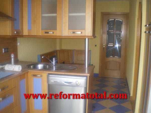 054 03 imagenes reforma interior reforma total en - Pintura para muebles de cocina ...