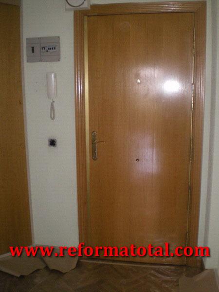 054 082 fotos de instalacion puerta piso im genes de - Puertas de pisos ...